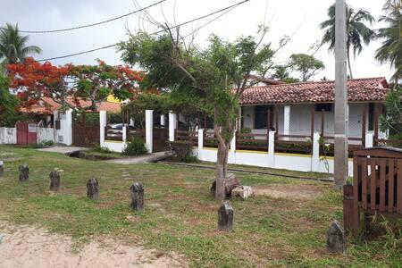 Casa com 5 quartos em Barra do Gil