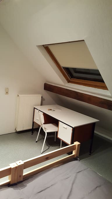 2 grandes pi ces en enfilade 2 min du centre maisons louer namur wallonie belgique. Black Bedroom Furniture Sets. Home Design Ideas