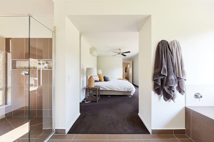 Bluestone Fields: Modern Luxury Farmhouse