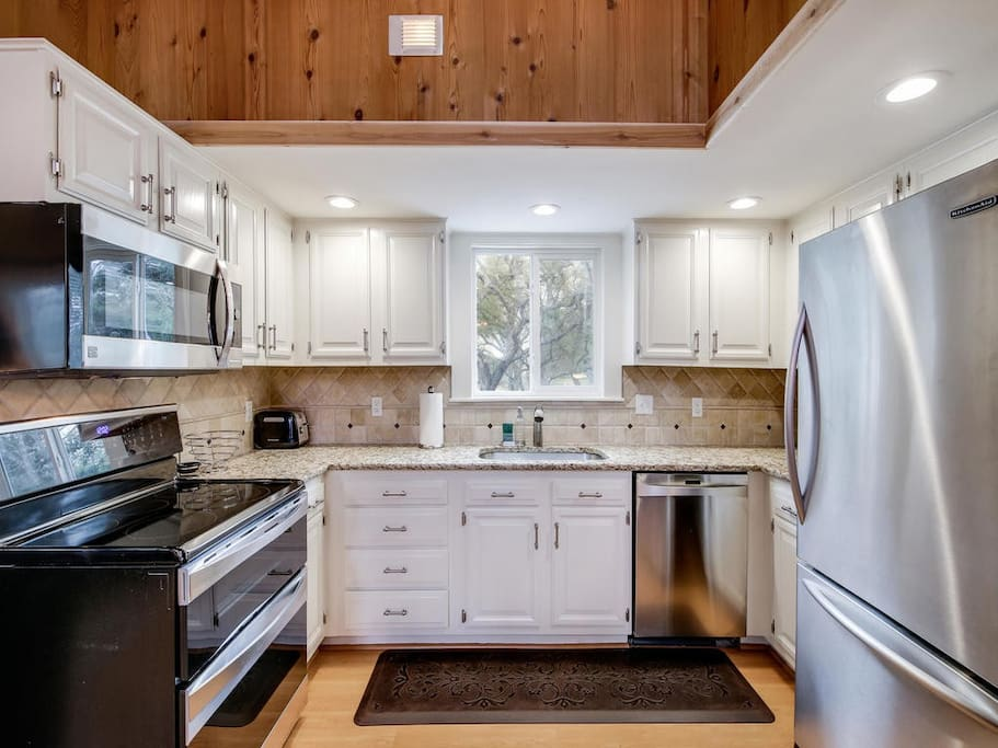 Cute newly remodeled kitchen