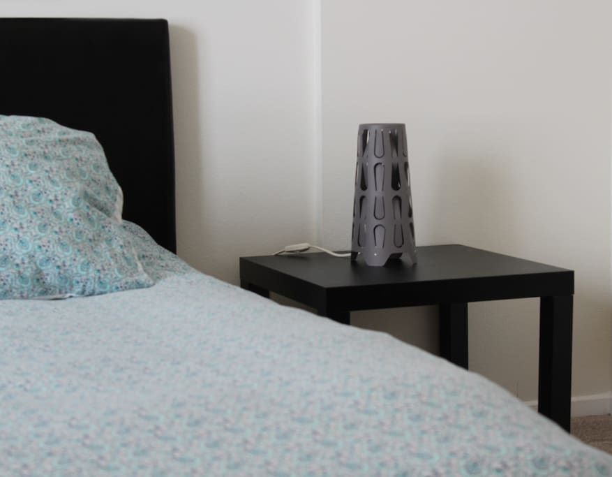 Right Side Table with design lamp