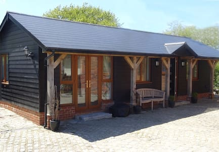 Goodwood & Chichester, South Downs 1 Bedroom Lodge