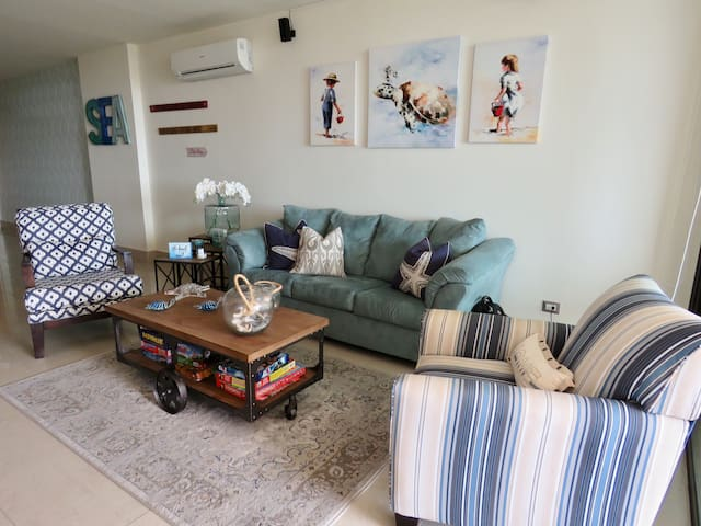 Living room with sea-like colors