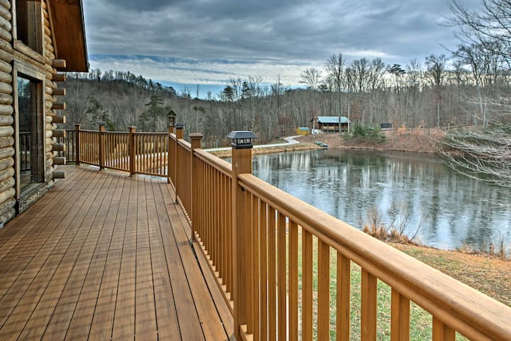 Underwood Home w/40 Acres, Fire Pit & Private Lake