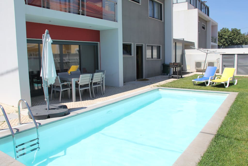 Swimming Pool Air Conditioning : Modern house swimming pool air conditioning häuser