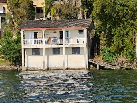 Casa à beira-mar com vista excepcional