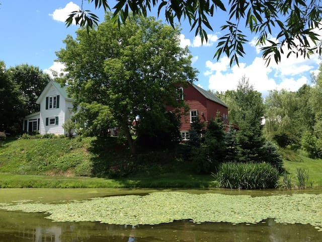 Elegant Vermont Farm: Adventure in Vermont/Quebec! - Richford - Hus