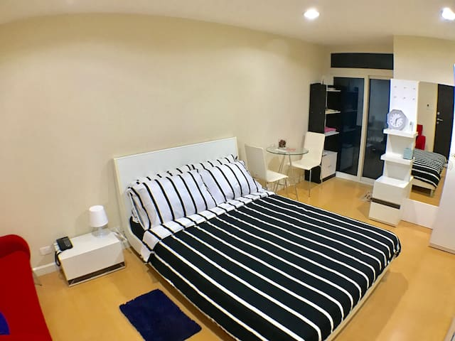 Cozy @BTS near Silom & China town - Bangkok - Apartament