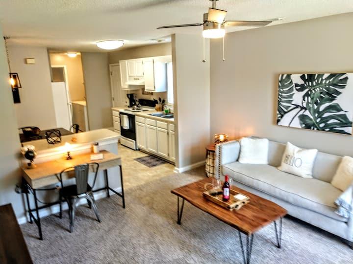 Private Apartment: Robin's Nest 2 - modern decor
