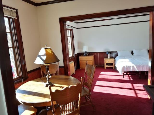 Historic Virginia Apartments