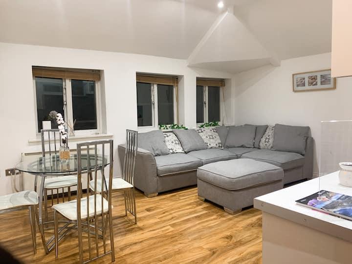 Entire Flat -City Centre Premium Home Feeling 24/7