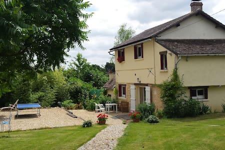 Maison dans le Perche - Saint-Germain-des-Grois - Talo