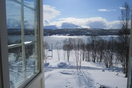 Charming cottage in Malangen,one hour from airport - Tromsø - キャビン