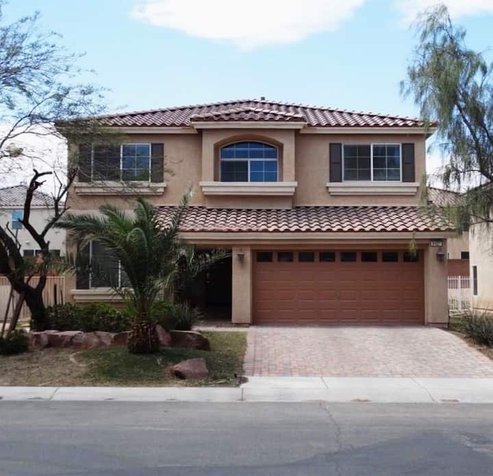 Gorgeous 4 Bedroom Home, Great Location, Perfect!