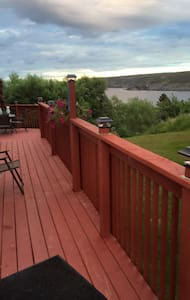 NEW LISTING, POUCH COVE. RECONNECT WITH NATURE ! - Pouch Cove - Hus