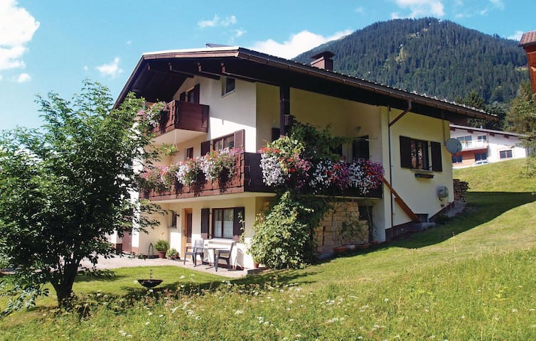 Holiday apartment with 3 bedrooms on 85m² in St. Gallenkirch