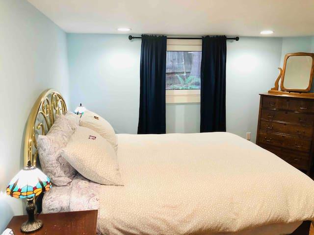Central Historic Irvington Suite