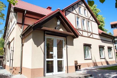 Гостевой дом в центре Светлогорска - Svetlogorsk - Bed & Breakfast