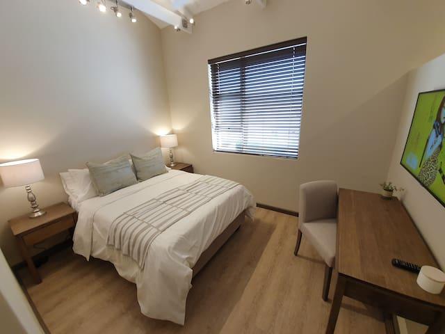 Bedroom 2 with double bed, Smart TV and en-suit bathroom