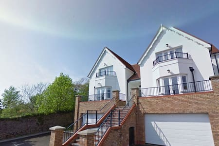 The Tenby Apartment - Caldey House - Tenby - Casa