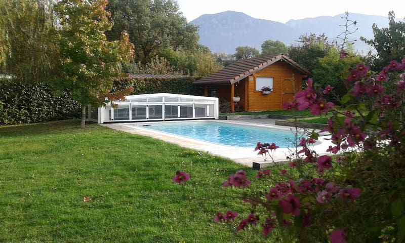 Chambre privée Villa - Piscine - Petit-dej Compris