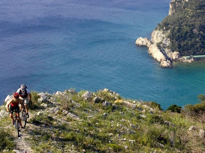 Trilocale  a Finale Ligure a 20 m dal mare