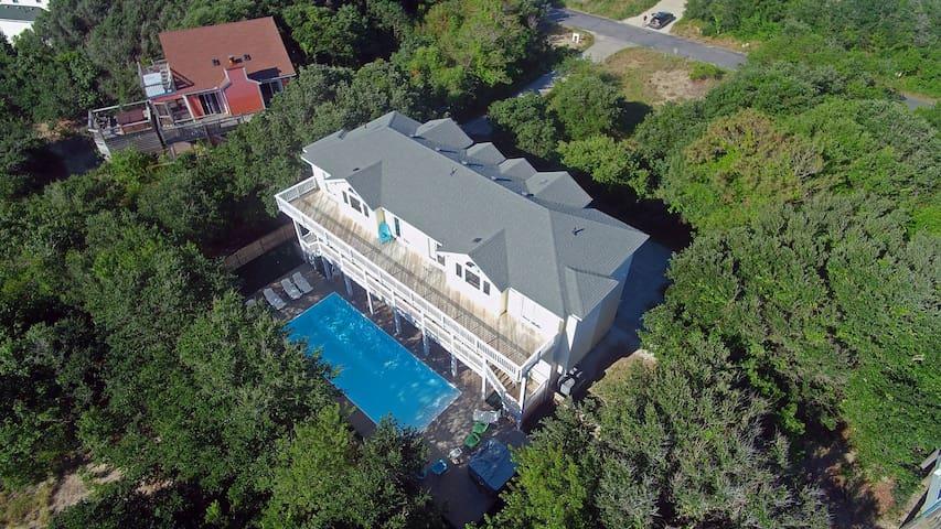 Corolla Paradise 10 Bedrooms, 10 Baths