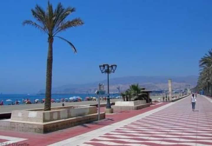 Apartamento en paseo marítimo Almería
