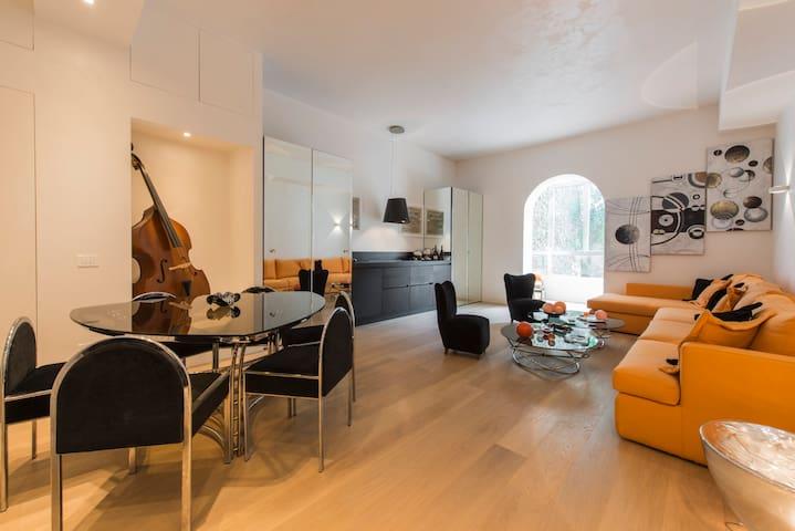 Smart and design flat Duomo-Brera
