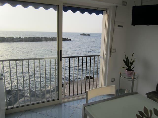 Suite Stella Maris a soli 2 metri dal mare