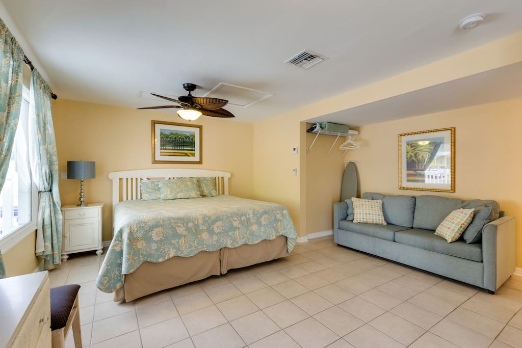 Beachside studio cottage sleeps four guests with a king bed and sofa sleeper, great for a family!