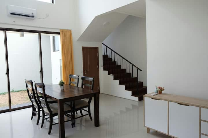 *BRAND NEW* Town House Graha Natura Surabaya