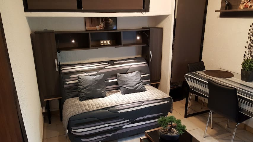 Coquet Studio meublé climatisé pour les vacances - La Valette-du-Var - Apartment