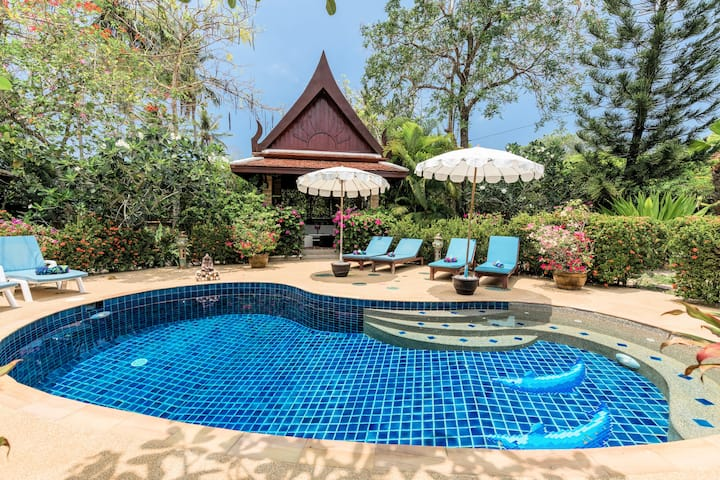 Lovely Pool Villa, 3BR, a GARDEN like none other