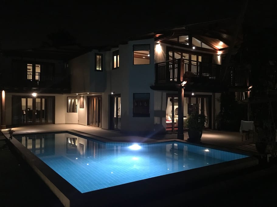 The villa looks gorgeous at night. Have a late night swim in the pool or a romantic dinner outside overlooking the ocean.