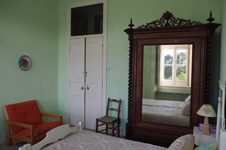 Casa Grande, Green Room x 2-4, B&B - Burgau