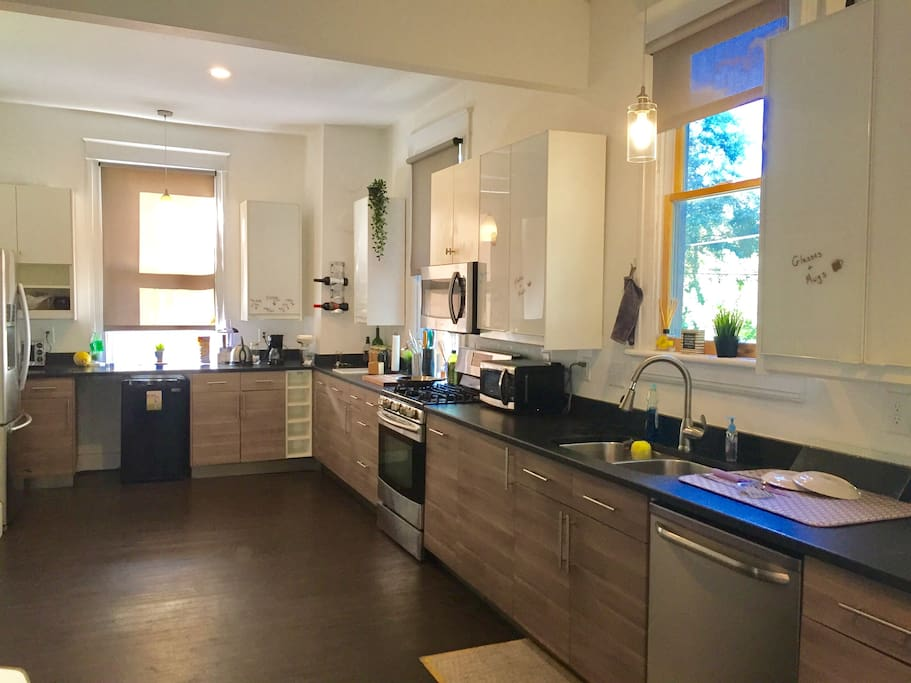 A wide open kitchen for you to use!