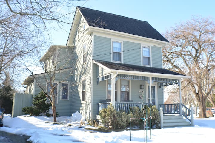 246 6th Ave in Beautiful West Cape May!