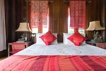 Quiet&Natural Thai style poolside villa Onnut