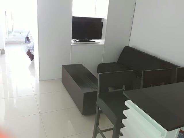 Modern studio in Malvin, 50 mts from the beach