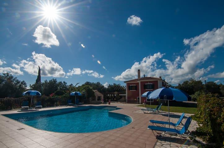 Leventis Villas – A drop of Kefalonian Paradise