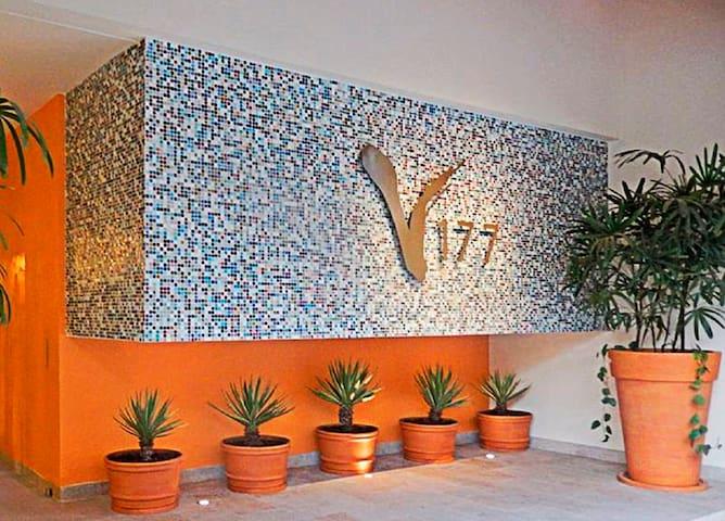 V177 stylish studio, Los Muertos