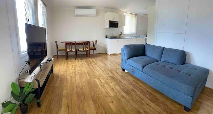 3 Bedroom - refurbished full house!  Foxtel Wifi
