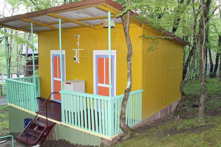 Дом в лесу в близи пляжа Бухты Инал Черного моря - Casa