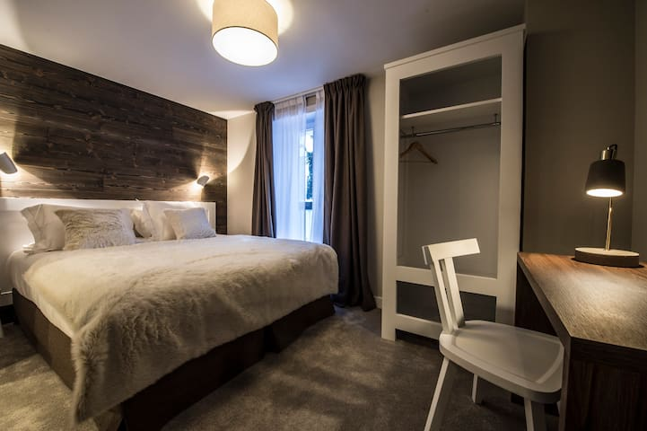 Le Whymper, Double Room for 2, Breakfast and Spa