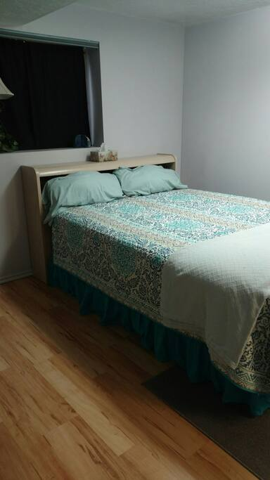 Lovely private room with 2 beds bed and breakfasts for rent in salt lake city utah united states for Salt lake city bedroom furniture
