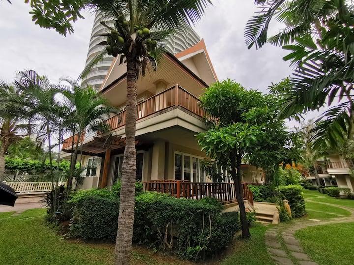 PEACEFUL Hideaway Beach House at Baan Talay Samran