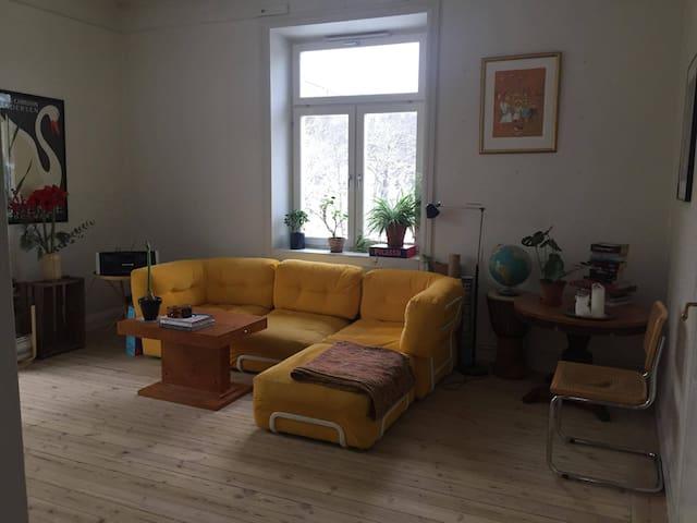Charming apartment in cosy Gröndal - Стокгольм - Квартира