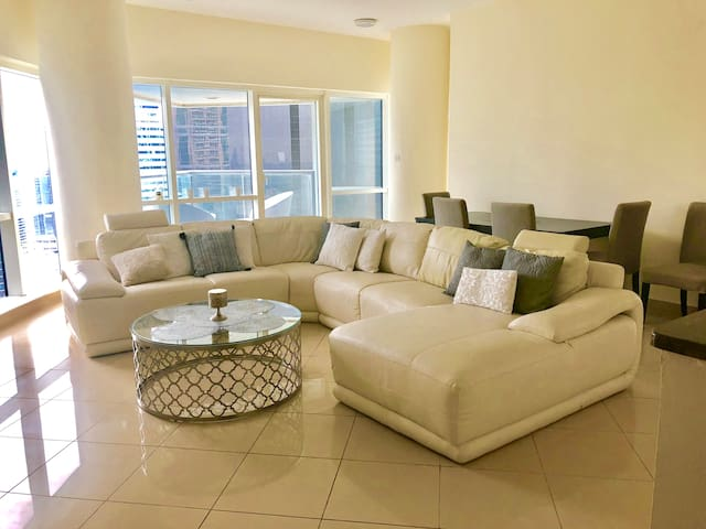 Beautiful contemporary 2BED Apartment