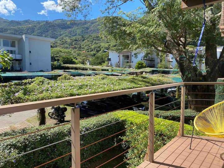 Apartamento full amueblado Santa Ana retreat